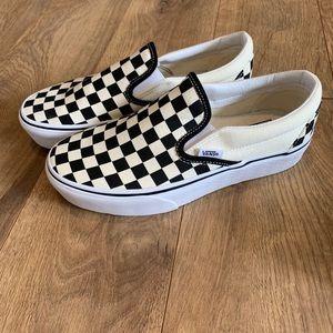 NWOT Unisex Checkerboard Vans Slip Ons